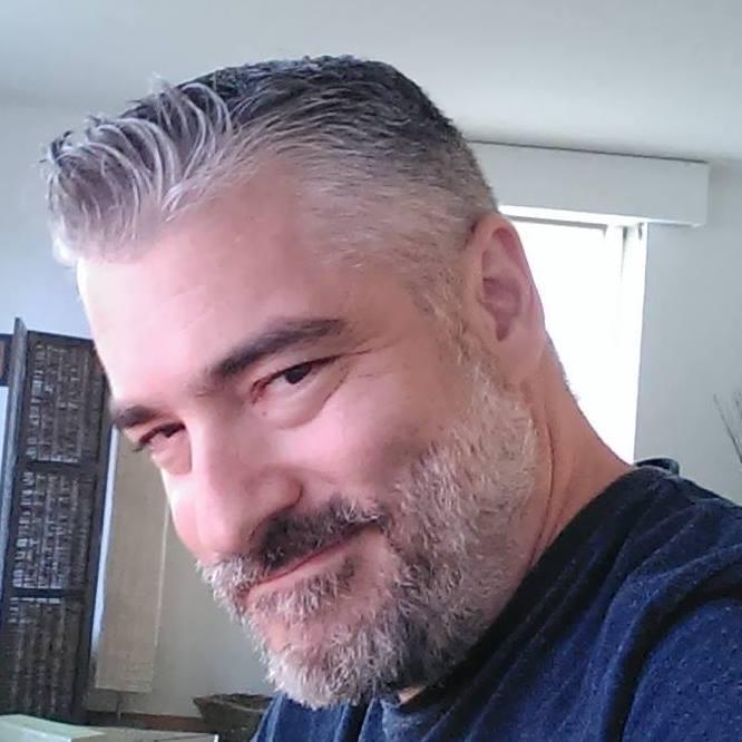 Portrait Alex Kallivroussis